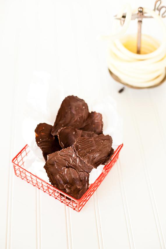chocolate leaves with sea salt