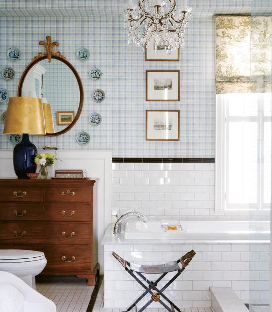 chandelier_bath_February10-Virginia_MacDonald_photographer_Style_at_home_magazine