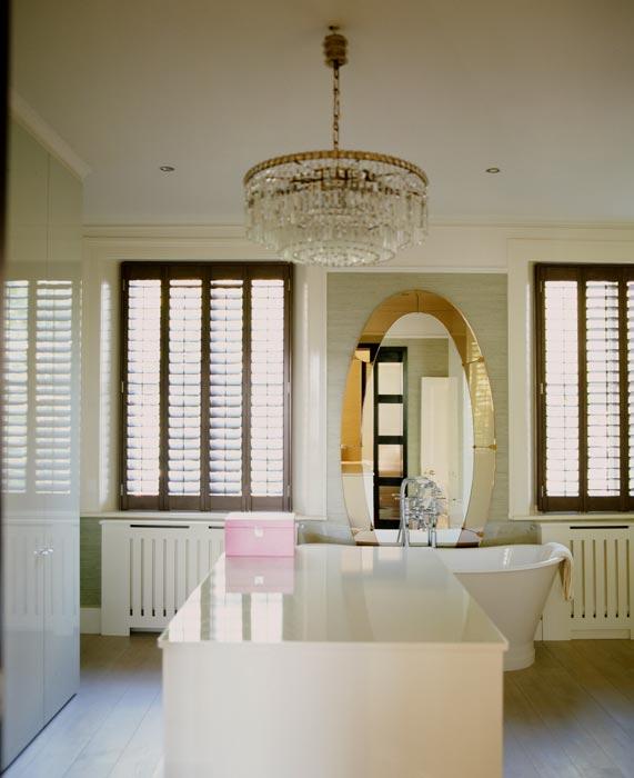 chandelier_bath_tamzin_greenhill_designer