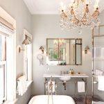 chandelier_in_bathroom1