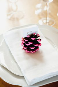 pine cone place card holder 1