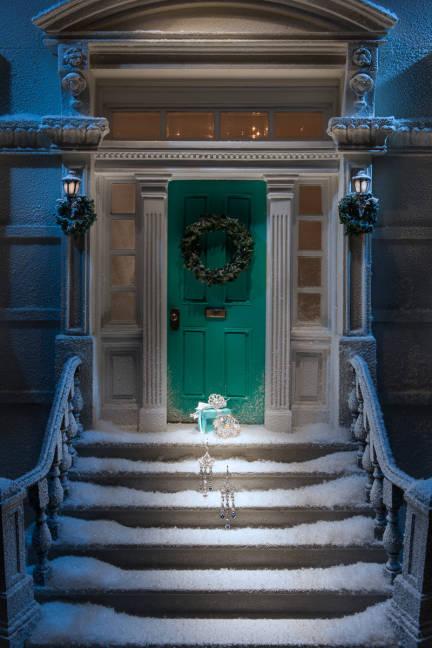 tiffany-holiday-window-5