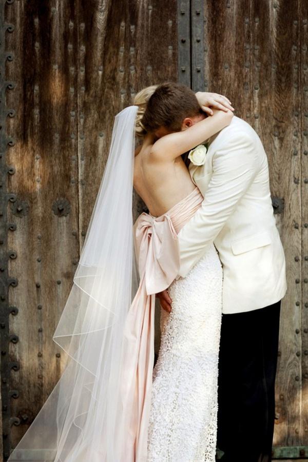 sunday-morning-photo-inspiration-oscar-de-la-renta-dress-pink-wedding-love