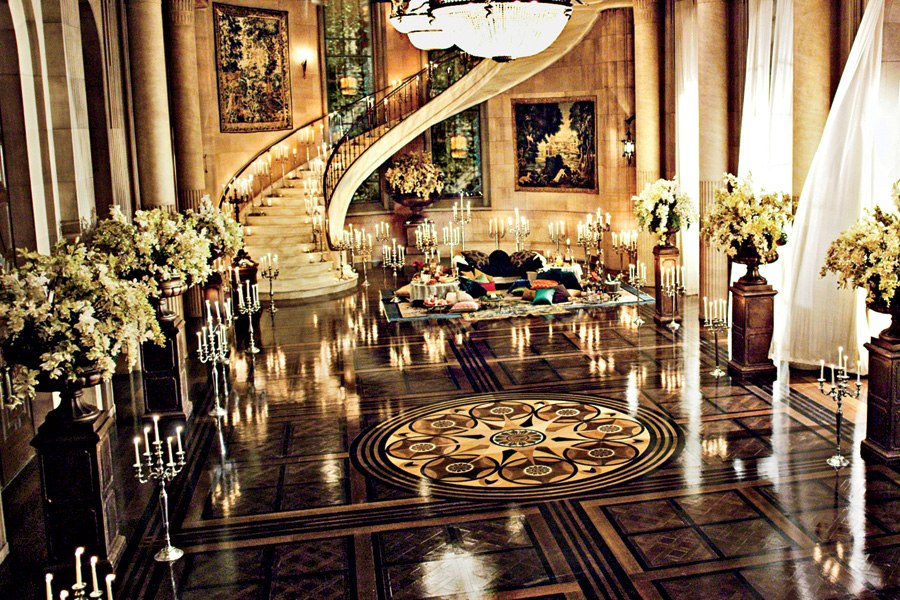great-gatsby-movie-set-design-02-gatsby-mansion-ballroom