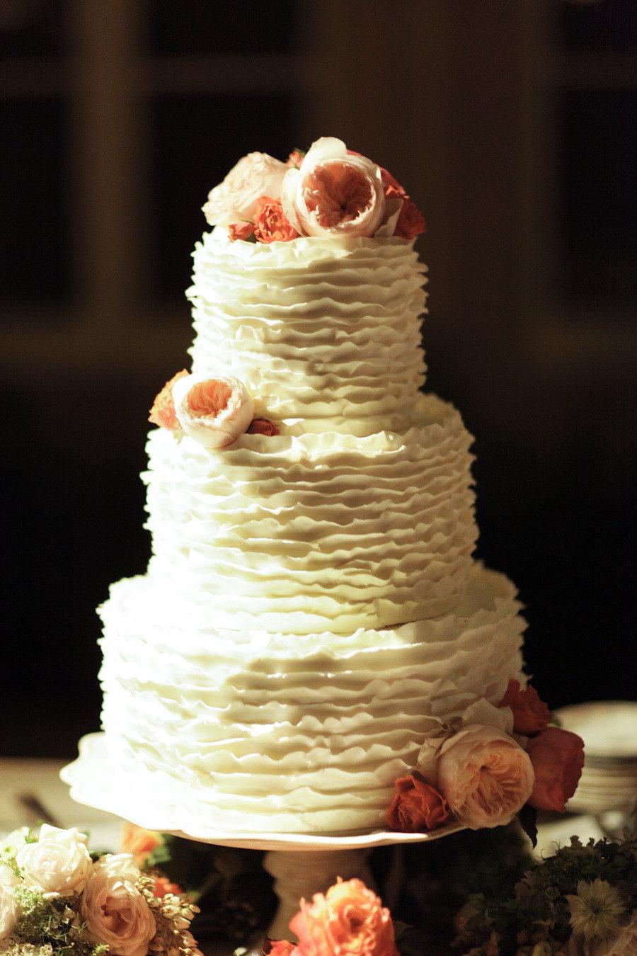 44_gia_canali_molly_sims wedding cake salmon pink roses