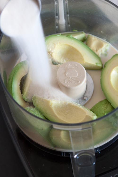 avocado-icecream-delicious-refreshing-dessert