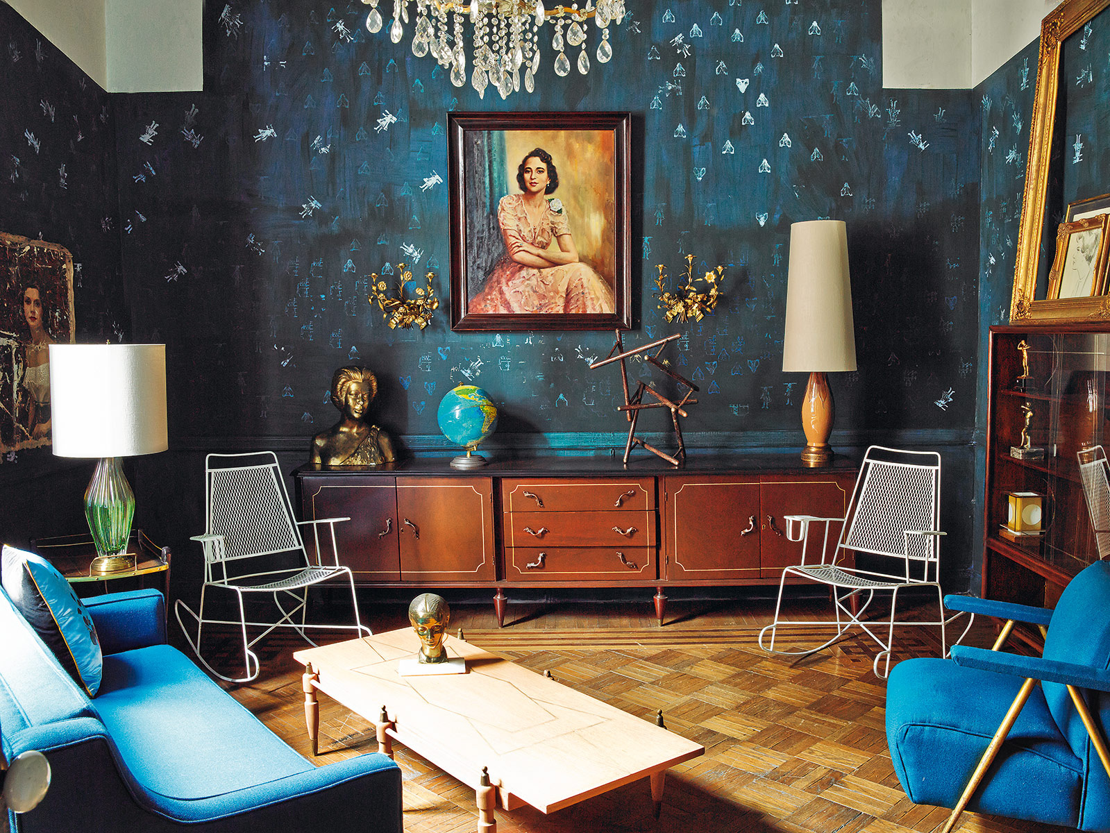 Interiors bold colors in mexico city project fairytale - Decoracion vintage de interiores ...
