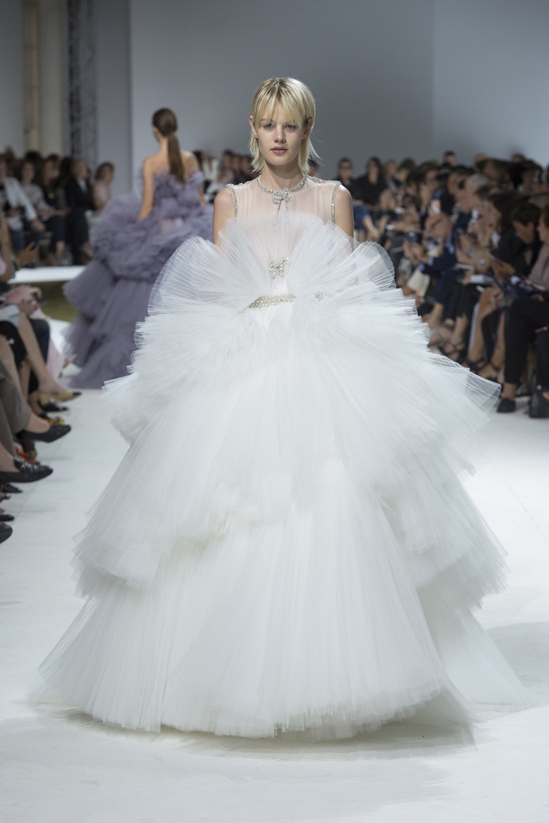 @pfairytale Giambattista Valli Fall 2016 Couture