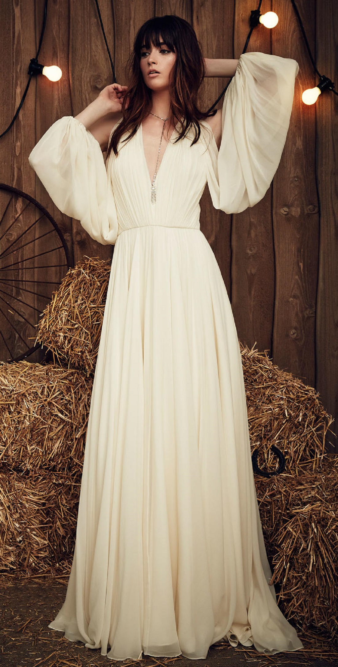 @pfairytale Perfect Dresses for a Fall Ceremony