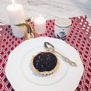 @pfairytale caramel and salted dark chocolate tart