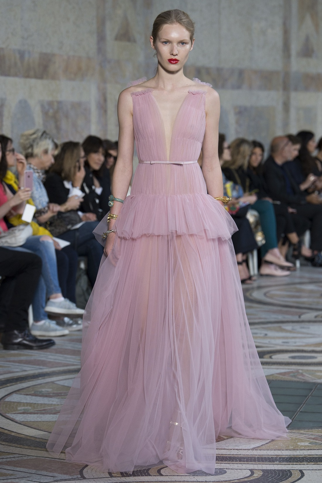 @projectfairytale: Giambattista Valli Couture Fall 2017