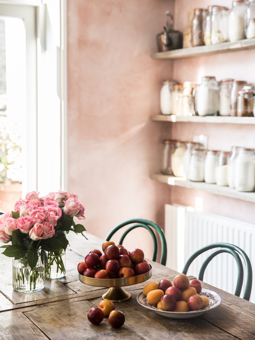 @projectfairytale: Pink and Grey Lovely Victorian Apartment