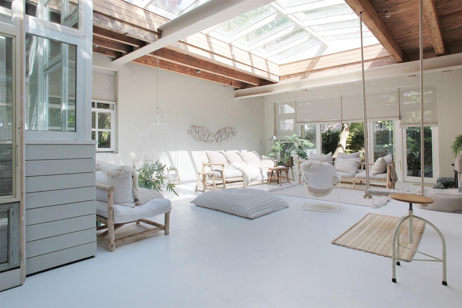 @projectfairytale: Light Filled Amsterdam Loft
