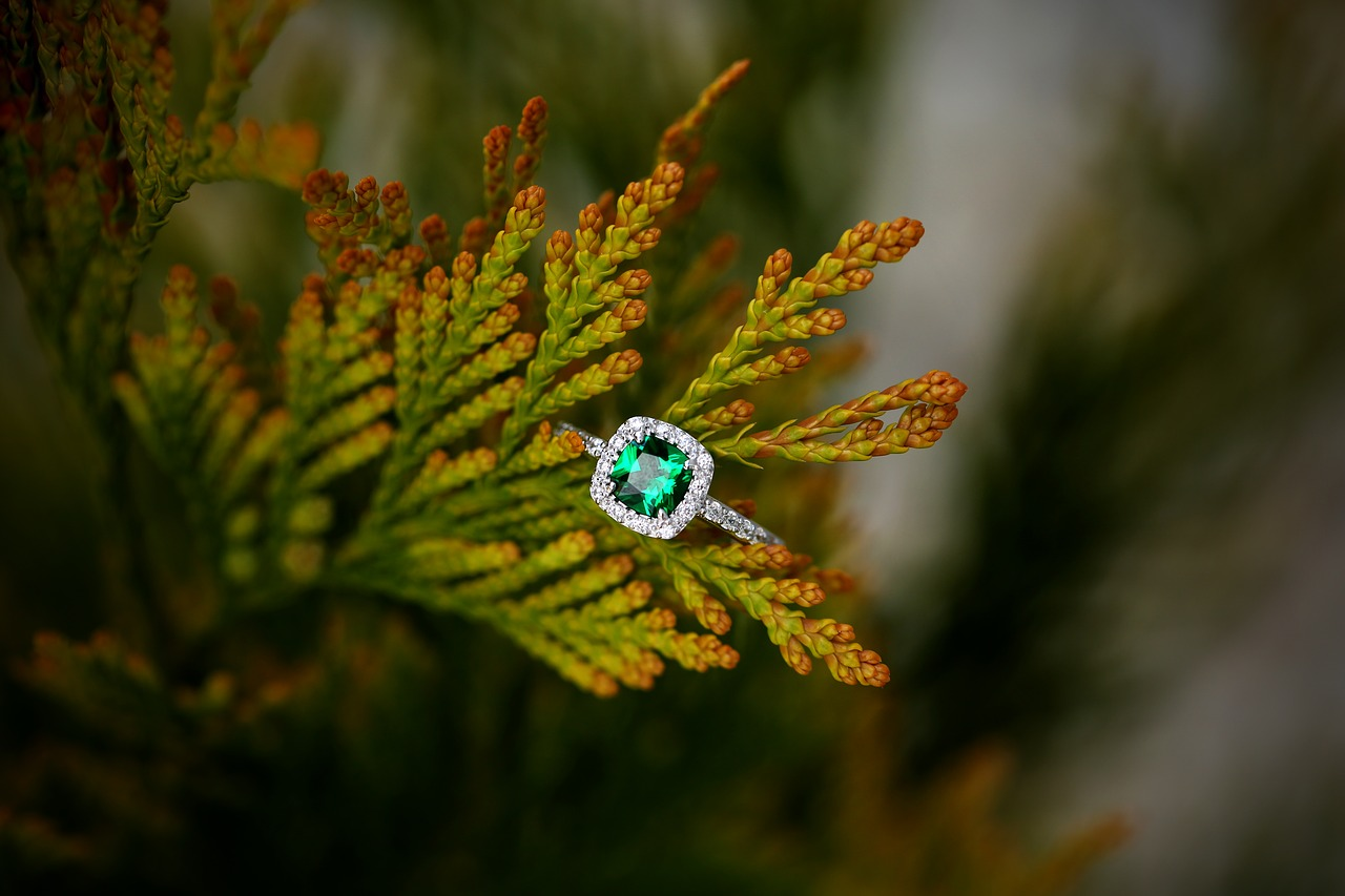 @projectfairytale: Top Tips for Buying a Vintage Engagement Ring