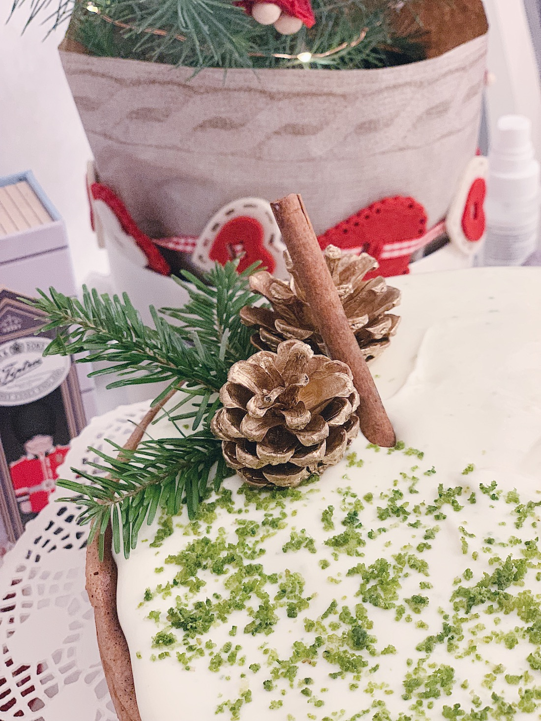 @projectfairytale: Lime Cream Cake for the Holiday Parties
